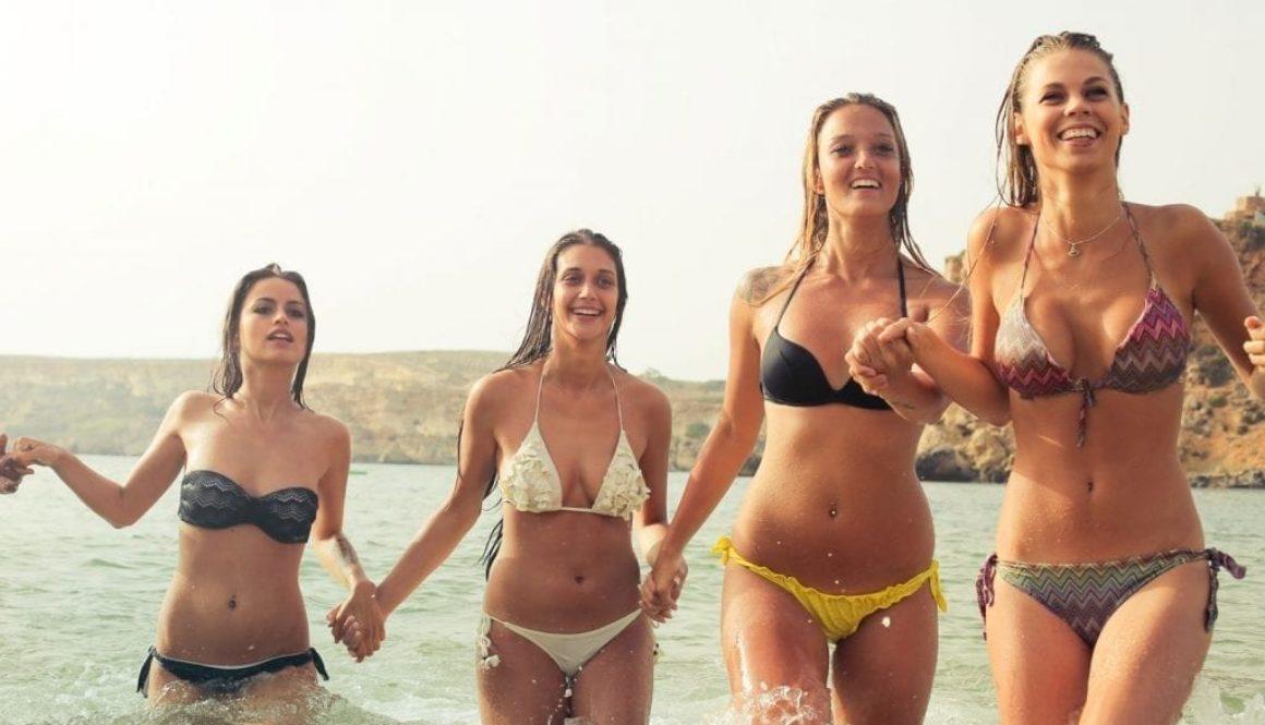 girls-on-bikini-1-1024x649