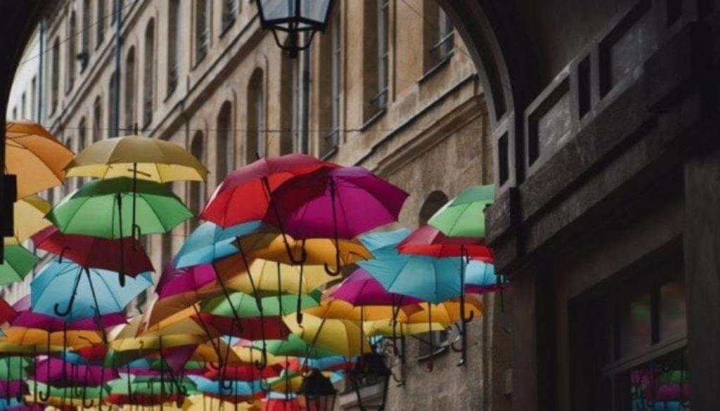 umbrellas-1024x684-1440x600